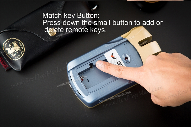 Wireless Keyless Smart Remote Anti-theft Invisible Security Door Lock with 4 Remote Keys reset button